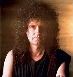 Brian May, wie kent 'm niet?
