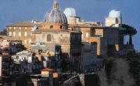 De pauselijke sterrenwacht bij Castel Gandolfo