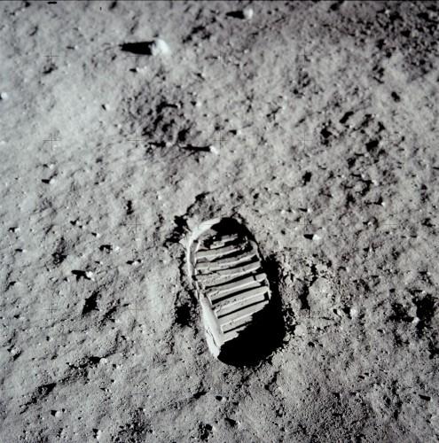 De eerste voetstap