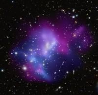 Een botsing van vier clusters van sterrenstelsels