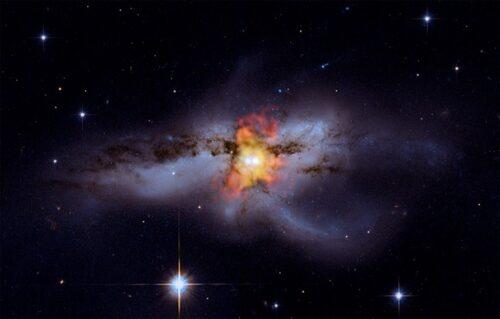 Twee samensmeltende zwarte gaten in NGC 6240