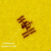 Niet te filmen zo mooi: ISS, Endeavour en ISS vanaf de grond gefotografeerd!