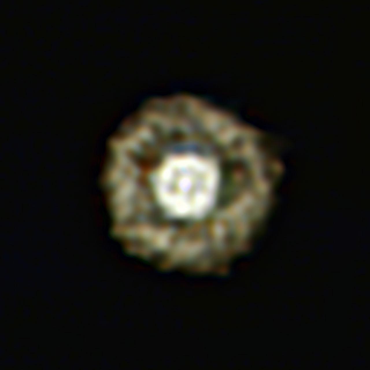 De Gebakken-Einevel, oftewel de gele hyperreus IRAS 17163-3907