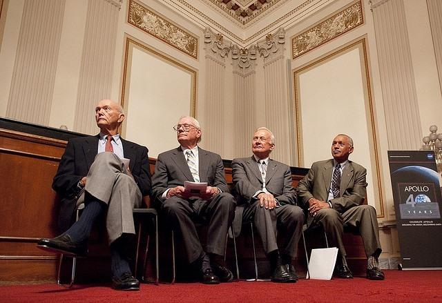 Astronauten Apollo 11 en John Glenn krijgen Golden Medal