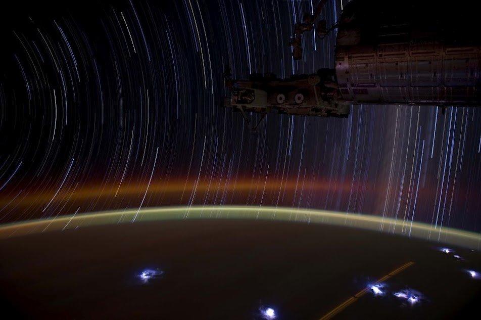 stersporen vanuit het ISS (foto: Don Pettit)