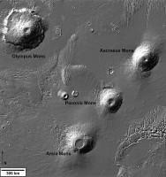 Over gekrulde lavapatronen en dode vulkanen op Mars
