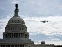 Space Shuttle Discovery's laatste vlucht naar Washington DC