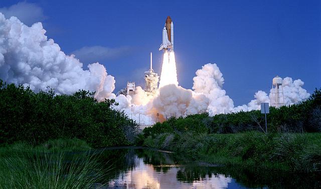 Het geluid van een opstijgende Space Shuttle