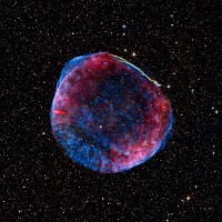 Heldere supernova uit 1006 vermoedelijk gevolg van botsende witte dwergen