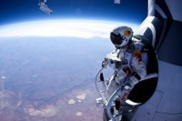"Televisietip…vanavond (zondag 4 November)…""Flying Felix on the Beeb"""