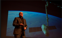 Andr̩ Kuipers spreker op NVB jubileumcongres Р15 november (Walking on air)