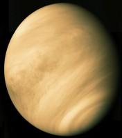 Als je op de planeet Venus zou zijn, hoe zou je stem daar dan klinken?
