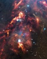 Een nieuwe opname van het Atacama Pathfinder Experiment (APEX) in Chili geeft een schitterend beeld van kosmische stofwolken in het sterrenbeeld Orion.