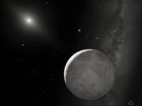 Voorstelling van de dwergplaneet Eris en z'n maan Dysnomia. Op de achtergrond de zon.