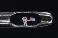 Buzz Aldrin IN het oog van een naald