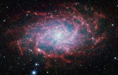 M33 8 infrarood