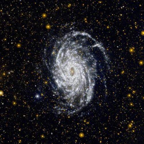 Kleurrijke afscheidstournee voor de overleden GALEX-telescoop