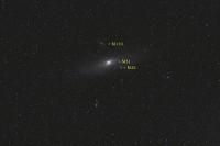 Een trio sterrenstelsels in Andromeda in beeld gebracht