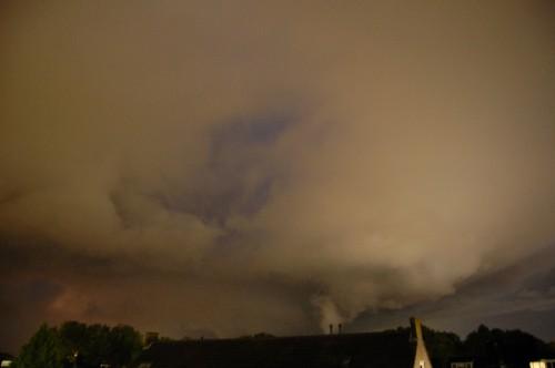 tornado drunen2