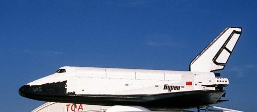1024px-Buran_on_An-225_(Le_Bourget_1989)_1