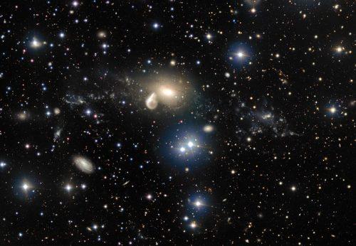 De omgeving van het sterrenstelsel NGC 5291