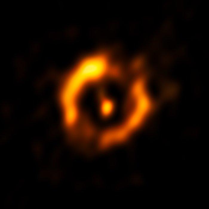 Scherpste opname ooit van een stofschijf rond een oude ster