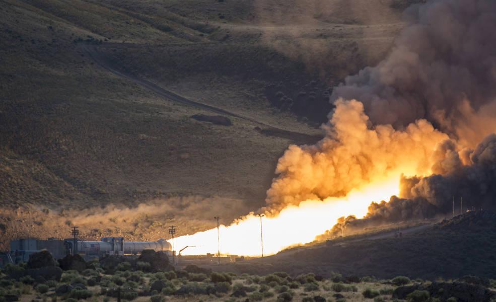Prachtige HiDyRS-X beelden van NASA's Solid Rocket Booster QM-2 test