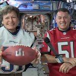Ook de astronauten in het ISS hebben zin in de Super Bowl