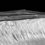 Donkere strepen op Mars wellicht veroorzaakt door landverschuivingen en niet door water